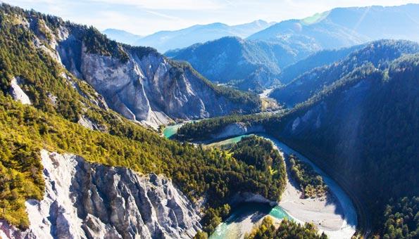 Rheinschlucht: Faszinierende Ruinaulta auf einer Rheinschlucht-Wanderung erleben