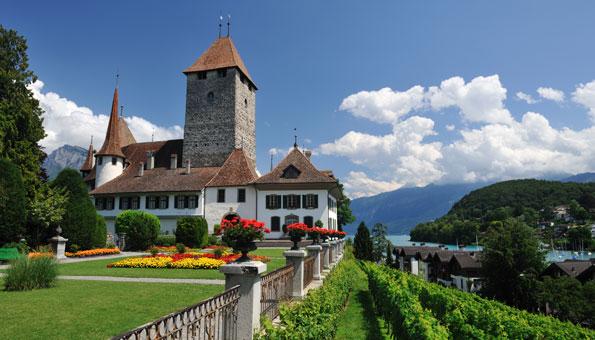 Ausflüge Berner Oberland: Schloss Spiez