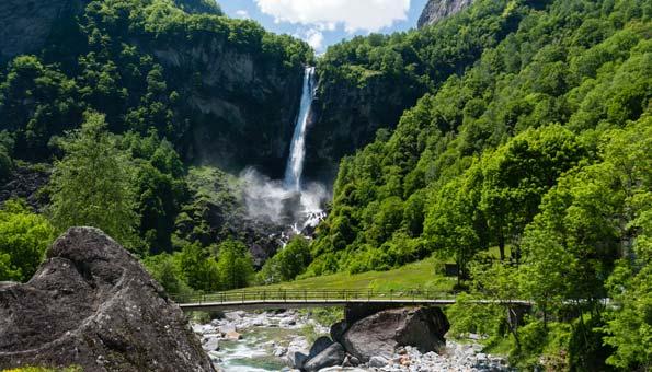 Wanderung zum Wasserfall bei Foroglio im Bavonatal Maggiatal