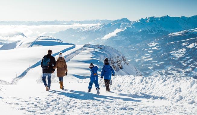 Winterwandern in der Schweiz: 12 leichte Touren mit bester Aussicht