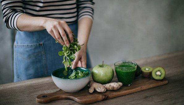 Grünes Obst und Gemüse gehört zur Detox-Kur dazu