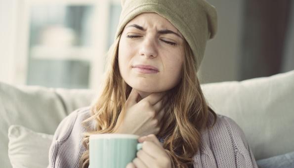 Halsschmerzen: Natürliche Hausmittel & Tipps bei Halsweh