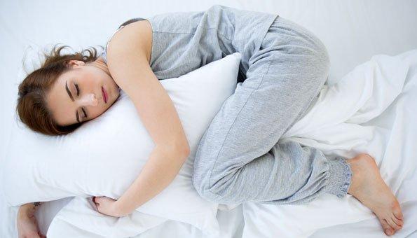 Zirbenkissen: Wirkung und Anwendung für besseren Schlaf