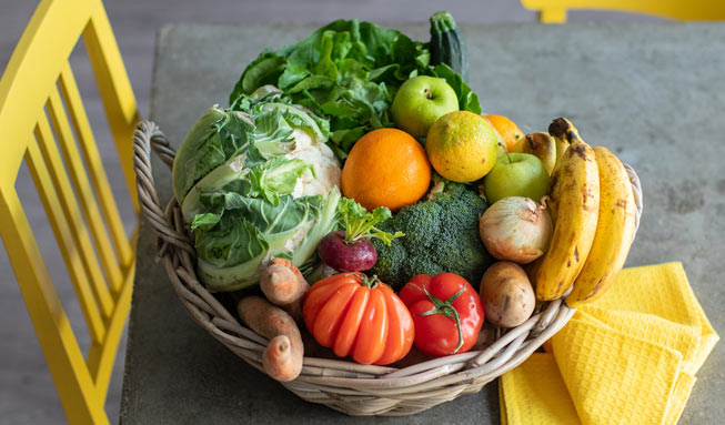 Wir verlosen 3 Bio-Gemüsekörbe von Ugly Fruits für je 65 Franken