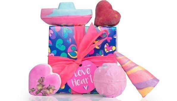 Wir verlosen 3 x 1 «Love Hearts Geschenk» von LUSH!
