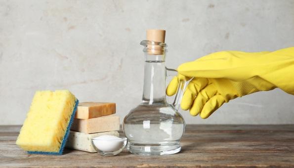 Essig und Essigessenz im Haushalt nutzen: 10 Anwendungstipps