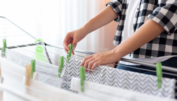 Wäsche in gut belüfteten Räumen aufhängen