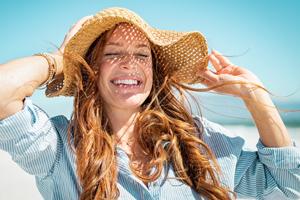 Gegen UV-Strahlen helfen Hut oder Kopftuch