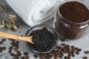 Kaffesatz-Haarkur gegen trockene Haare