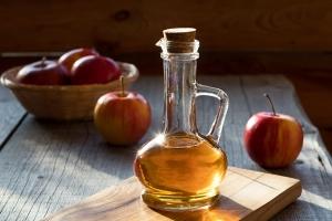 Saure Rinse mit Apfelessig