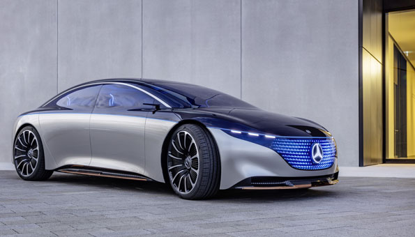 Der Mercedes EQS mutet futuristisch an und gehört bei Autofreaks definitiv zu den Highlights unter den Elektroautos 2020.