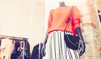 H&M oder Burberry – wie die Modeindustrie tonnenweise Kleider verbrennt