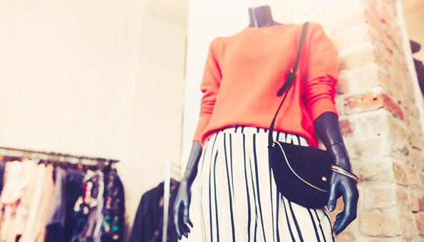 H&M oder Burberry - wie die Modeindustrie tonnenweise Kleider verbrenn