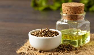 6 gute Gründe, warum Hanföl besser ist als viele teure Kosmetik