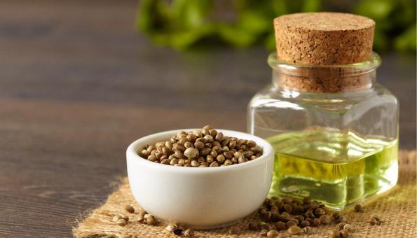 6 gute Gründe, warum Hanföl besser ist als teure Kosmetik