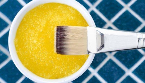 Honigmaske: 4 Rezepte für zarte Haut und glänzende Haare