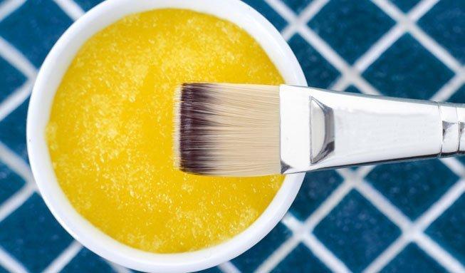 Süsse Helfer: 4 Honig-Masken für gesunde Haut und Haare