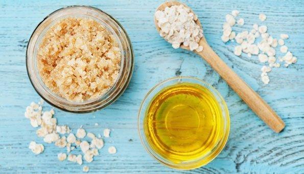 Körperpeeling selber machen: 4 Rezepte mit Zutaten aus der Küche