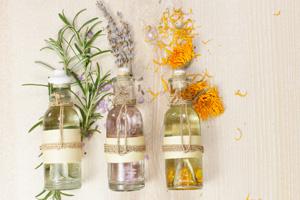 Nachhaltige Geschenke: 22 Ideen für sinnvolle Geschenke. Massageöl.