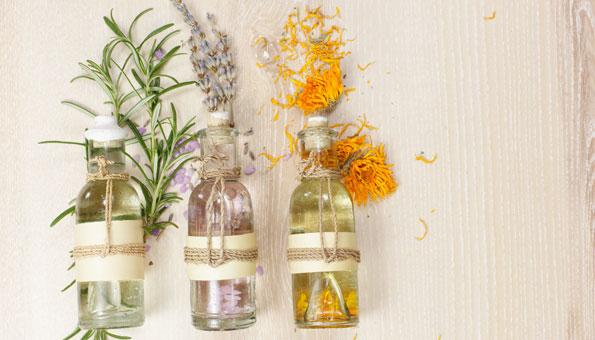 Massageöl selber machen: Rezepte zum Entspannen und Erfrischen