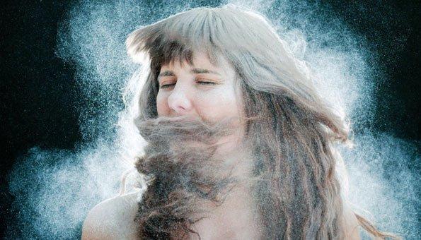 Haare mit trockenshampoo waschen