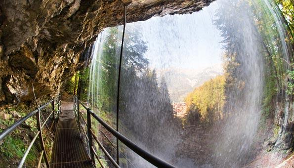 Naturschutzgebiete Schweiz: Die Giessbachfälle machen dieses Naturschutzgebiet am Brienzersee einzigartig.