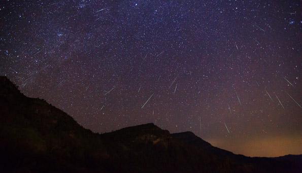 Sternschnuppen-Regen über der Schweiz