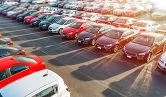 Neuwagen stossen noch immer zu viel CO2 aus