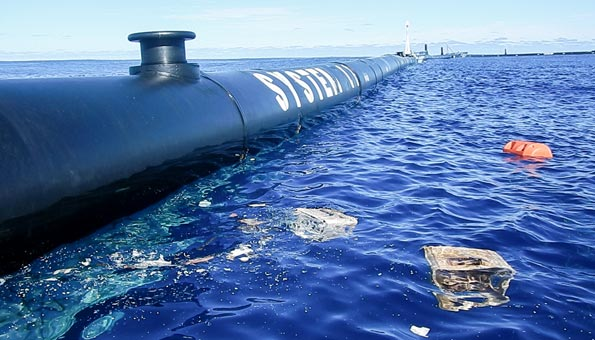 Defekt zwingt «The Ocean Cleanup» zurück an Land