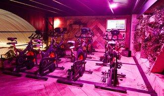 Den Strom für dieses Fitnessstudio erzeugen die Sportler selbst