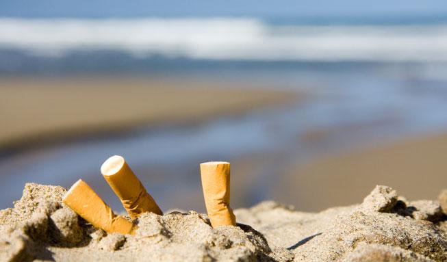 Zigaretten verschmutzen unsere Meere mehr als Plastik