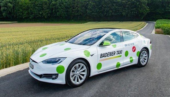 In Baden können Sie sich jetzt mit Teslas chauffieren lassen