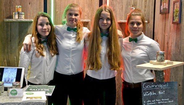 Schüler präsentieren ihre Miniunternehmungen in Zürich