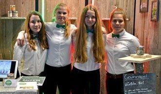 Schüler präsentieren Miniunternehmen in Zürich