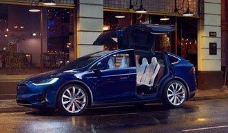 Die Basler Polizei geht bald mit Teslas auf Verbrecherjagd