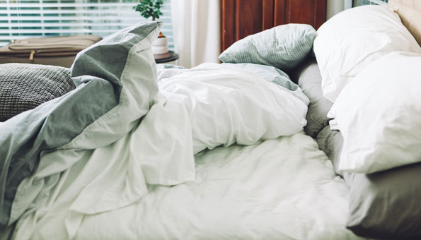 Milben bekämpfen: Massnahmen und Hausmittel gegen Hausstaubmilben