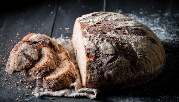 Brot selber backen: So einfach geht es auch ohne Automat