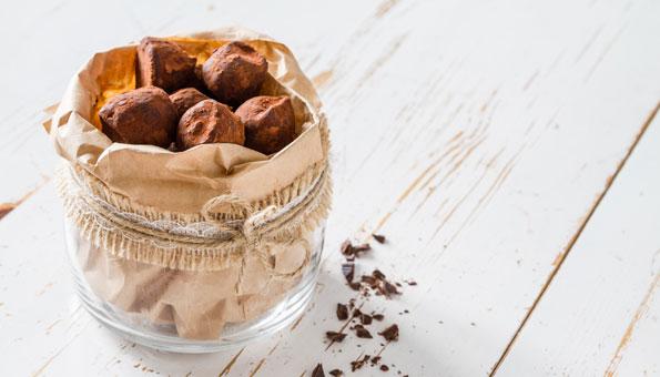 Selbstgemachte Praline: Rezept für Schoko-Trüffel