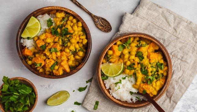 Veganes Curry: Schnelles Rezept mit Kichererbsen