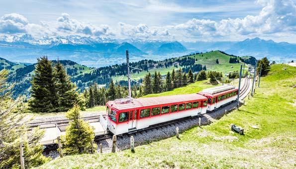 Wandern auf der Rigi am Vierwaldstättersee mit Zahnradbahn