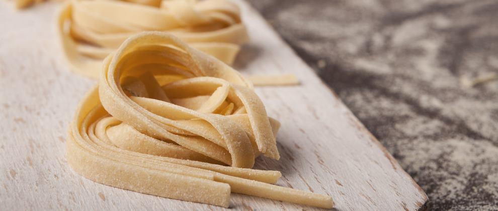 Pasta selber machen mit & ohne Nudelmaschine: 2 einfache Rezepte
